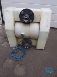 details anzeigen - Druck�bersetzte Membranpumpe; Hochdruckmembranpumpe, Druckluftmembranpumpe zur Kammerfilterpressenbeschickung