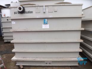 details anzeigen - Chargenbehandlungsbehälter, Kunststoffbehälter, Neutralisationsbehälter, Abwasserneutralisation, PP Rechteckbehälter mit 2 Rührwerken