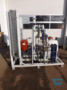 show details - cooling water providing device with heat exchanger and pumps