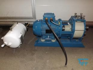 show details - plastic centrifugal pump with pressure vessel