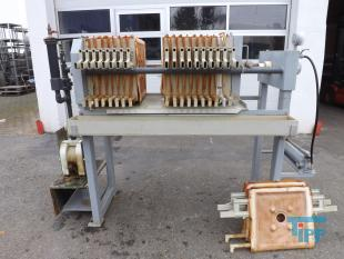 show details - manual chamber filter press with manual hydraulics and feed pump and 18 plates