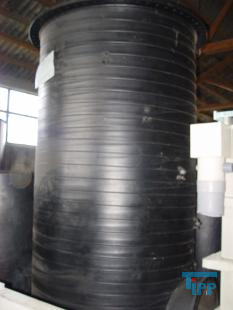 details anzeigen - stehender Rundbehälter aus drei Segmenten, Waschsäule, Wäscher, Luftwäscher, Riesler