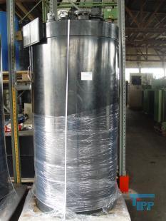 details anzeigen - Chemikalienlagertank mit Auffangwanne / doppelwandiger Behälter