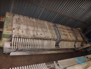 details anzeigen - Kammerfilterpresse mit geschlossenem Filtratablauf und automatischer Plattenverschiebung / Chamber filter press