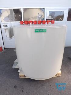 details anzeigen - Rundbehälter mit Isolierung und 8 Stk. Heizstäben/ Behandlungsbehälter / Speicherbehälter