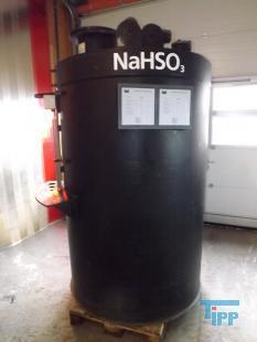 details anzeigen - Chemikalienlagertank mit Auffangbehälter / Speichertank