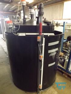 details anzeigen - Chemikalienlagertank mit Auffangbehälter, Leckagesonde, Füllstandsaufnehmern, Überfüllsonde / doppelwandiger Speichertank